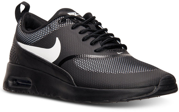 Air Max Thea Blancas Looks