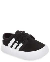 adidas Infant Boys Seeley Sneaker Size 2 M Black