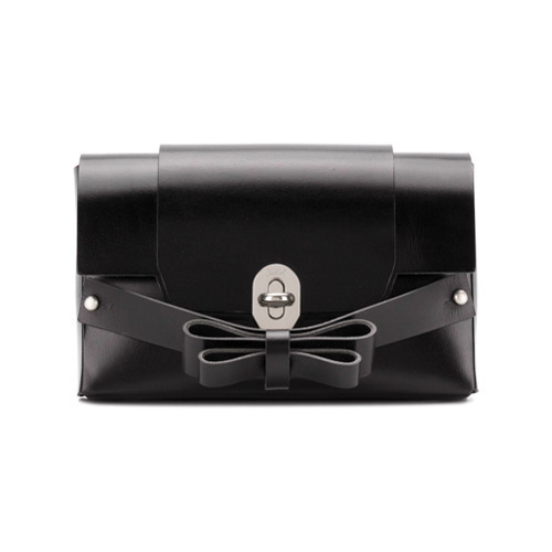 Niels Peeraer Double Bow Clutch