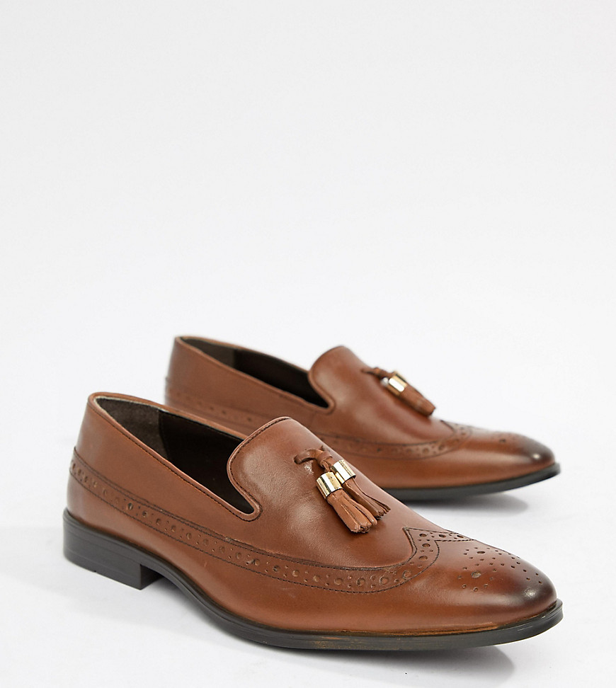 4b15d682026 ... ASOS DESIGN Wide Fit Brogue Loafers In Tan Leather With Gold Tassel  Detail
