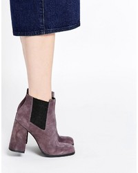 Edgy chelsea suede ankle boots medium 798734