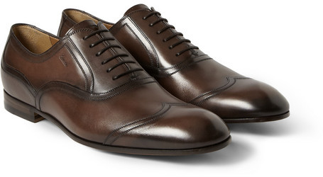 58c4a8c43e2 ... Gucci Burnished Leather Wingtip Oxford Shoes ...
