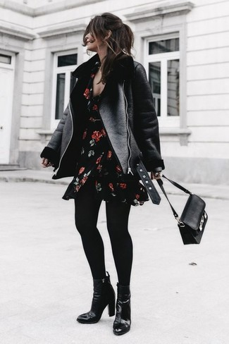 489a2368d8 How to wear Exclusives New Look Black Short Sleeve Floral Print Skater Dress