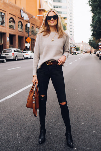 How to wear: tobacco leather tote bag, black leather ankle boots, black ripped skinny jeans, beige crew-neck sweater