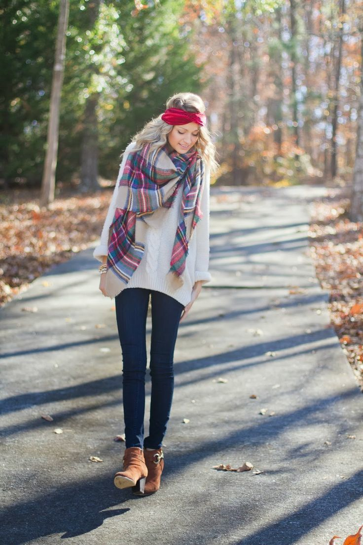 9b1ae54439 How To Wear a Red Scarf With Navy and Green Jeans For Women (31 ...