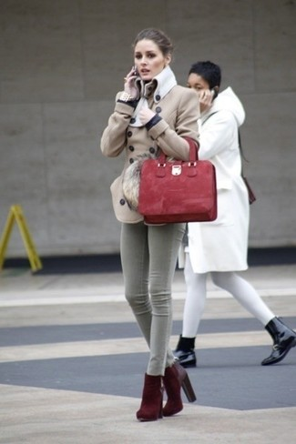 How to wear: red suede tote bag, burgundy suede ankle boots, grey skinny jeans, beige pea coat