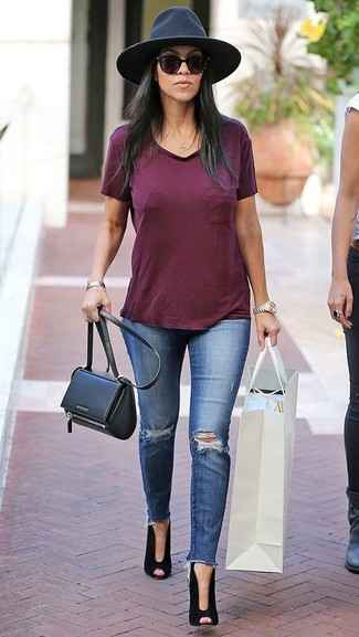 How to wear: black leather crossbody bag, black cutout suede ankle boots, blue ripped skinny jeans, burgundy v-neck t-shirt