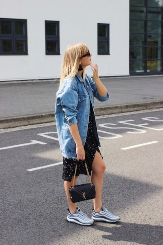 How to wear: black quilted leather crossbody bag, grey athletic shoes, black star print casual dress, blue denim jacket