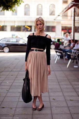 How to wear: black leather tote bag, dark brown snake leather ballerina shoes, beige pleated midi skirt, black off shoulder top