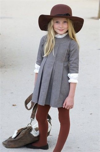 How to wear: burgundy hat, black ballet flats, white long sleeve t-shirt, grey dress