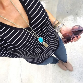 How to wear: aquamarine pendant, beige leather ankle boots, charcoal skinny jeans, black and white horizontal striped v-neck t-shirt