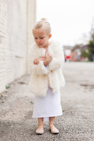 How to wear: beige ballet flats, white dress, white fur coat