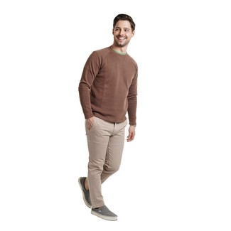 How to wear: grey canvas slip-on sneakers, beige chinos, green crew-neck t-shirt, brown crew-neck sweater