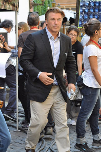 How to wear: dark brown leather loafers, beige chinos, light blue long sleeve shirt, charcoal blazer