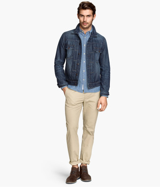 How to wear: dark brown suede derby shoes, beige chinos, light blue chambray long sleeve shirt, navy denim jacket
