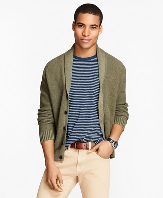 How to wear: brown leather belt, beige chinos, white and navy crew-neck t-shirt, olive shawl cardigan