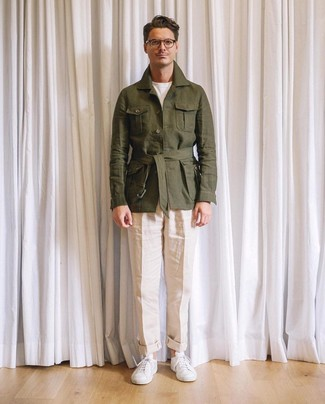 How to wear: white leather low top sneakers, beige linen chinos, white crew-neck t-shirt, olive linen field jacket