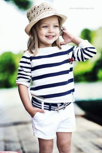 How to wear: beige hat, white shorts, white and navy horizontal striped sweater