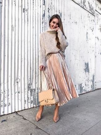 How to wear: beige quilted leather crossbody bag, beige leather pumps, beige pleated midi skirt, beige oversized sweater