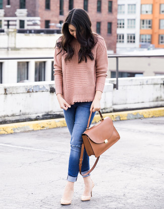How to wear: brown leather satchel bag, beige leather pumps, blue ripped skinny jeans, pink knit turtleneck