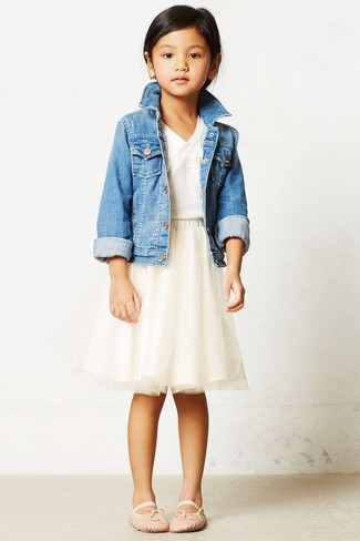 How to wear: beige ballet flats, beige tulle skirt, white t-shirt, light blue denim jacket