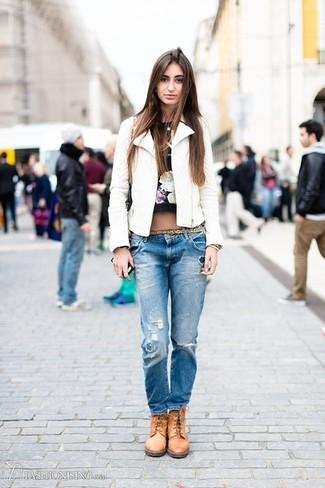 How To Wear Tan Boots With Blue Boyfriend Jeans | Women's Fashion