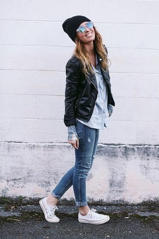 Look stylish yet practical in outerwear and blue slim jeans. White canvas low top sneakers will contrast beautifully against the rest of the look. With rising temperatures come warmer days and the need for a #{cool} look just like this one.