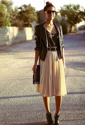 How to Wear a Beige Pleated Midi Skirt (9 looks) | Women's Fashion
