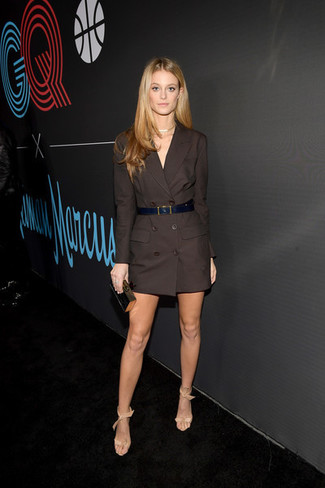 How to wear: black leather belt, black and gold clutch, beige leather heeled sandals, dark brown tuxedo dress
