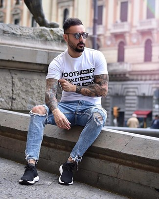 How to wear: charcoal sunglasses, black athletic shoes, light blue ripped jeans, white and black print crew-neck t-shirt