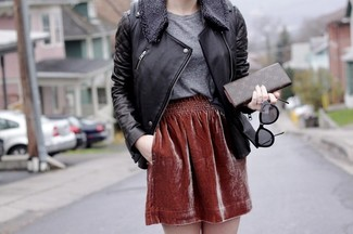 Busy days call for a simple yet stylish outfit, such as a black leather motorcycle jacket and a bag. If it's one of those gloomy fall days, what better to brighten things up than a stylish look like this one?