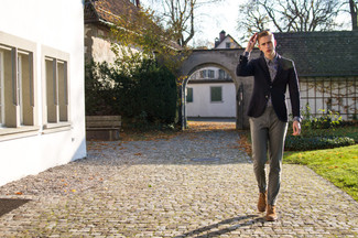 How to wear: black blazer, violet long sleeve shirt, grey chinos, brown desert boots
