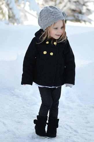 How to wear: grey beret, black boots, black jeans, black coat