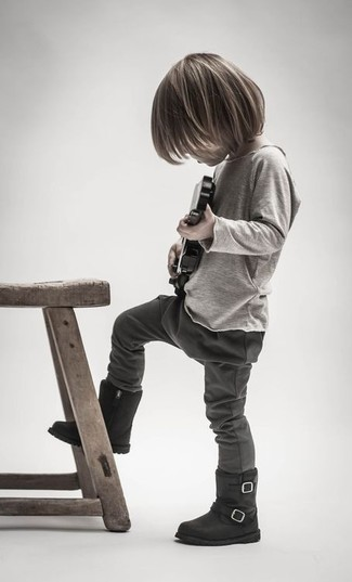 How to Wear Charcoal Sweatpants For Boys: Suggest that your son reach for a beige long sleeve t-shirt and charcoal sweatpants for a laid-back yet fashion-forward outfit. As for footwear your tot will love black boots for this look.