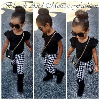 How to Wear a Black T-shirt For Girls: Suggest that your tot go for a black t-shirt and white and black leggings for a comfy outfit. Finish this outfit with black boots.