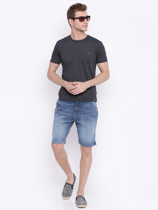 How to wear: black print canvas espadrilles, blue denim shorts, charcoal crew-neck t-shirt