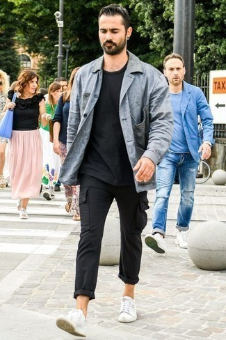 Men's Looks & Outfits: What To Wear In 2020: This off-duty pairing of a grey shirt jacket and black cargo pants is a winning option when you need to look sharp in a flash. Dial down the formality of this getup by slipping into a pair of white canvas low top sneakers.