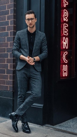 How to wear: black leather watch, black leather casual boots, black polo, teal suit