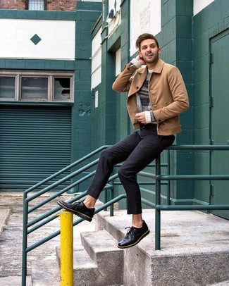 How to wear: black leather derby shoes, black chinos, beige horizontal striped crew-neck sweater, tan suede shirt jacket