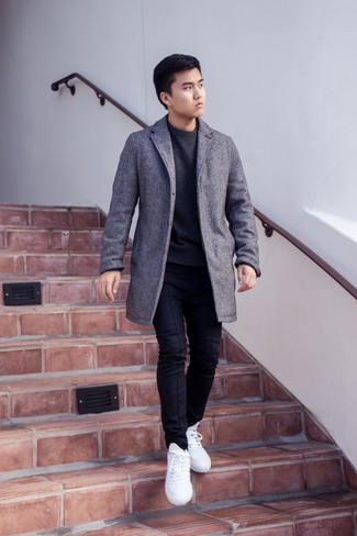 How to Wear a Charcoal Crew-neck Sweater For Men: Putting together a charcoal crew-neck sweater with black chinos is an on-point pick for a relaxed casual ensemble. Loosen things up and complement this look with white low top sneakers.