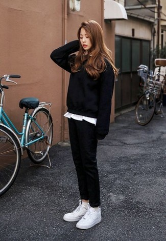How to wear: white low top sneakers, black chinos, white crew-neck t-shirt, black sweatshirt