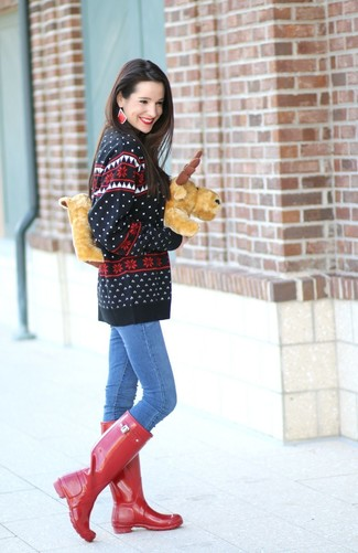How to wear: black fair isle crew-neck sweater, blue skinny jeans, red rain boots, red earrings