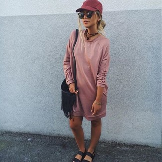 How to Wear a Red Cap For Women: A pink sweater dress and a red cap are great pieces to add to your off-duty styling routine. Black leather flat sandals are a stylish addition for this look.