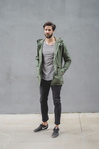 How to wear: black low top sneakers, black jeans, grey crew-neck sweater, olive lightweight parka