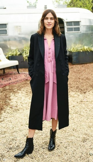 How to wear: black leather cowboy boots, pink midi dress, black coat