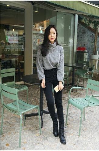 Women's Looks & Outfits: What To Wear In 2020: For an outfit that provides function and chicness, dress in a grey turtleneck and black skinny jeans. Introduce a carefree touch to your ensemble by finishing with a pair of black leather lace-up flat boots.