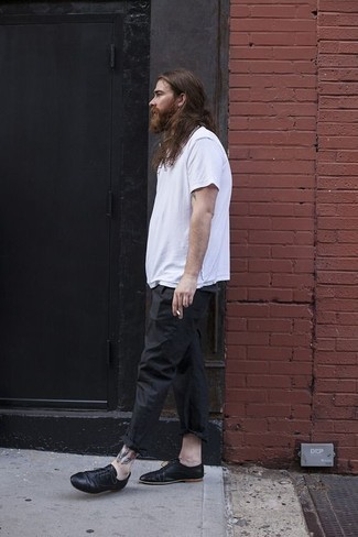 a9b33fce1d9 How To Wear Black Leather Oxford Shoes With a White Crew-neck T ...