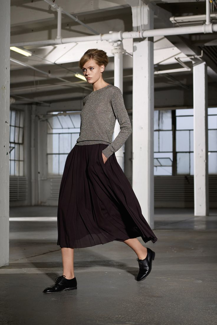 02149872dfc04 How To Wear Midi Skirts In Winter - raveitsafe