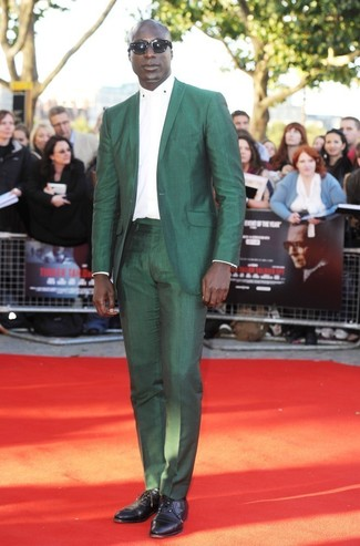 How to wear: black leather oxford shoes, white dress shirt, green suit