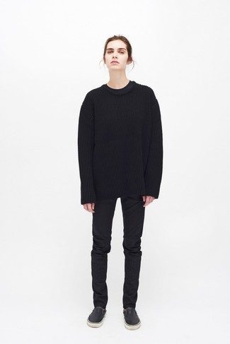 How to Wear a Black Oversized Sweater: Why not pair a black oversized sweater with black jeans? As well as totally functional, these two pieces look amazing when worn together. When it comes to footwear, this ensemble pairs wonderfully with black leather slip-on sneakers.